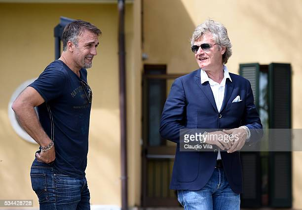 Giancarlo Antognoni and Gabriel Omar Batistuta attend the Italy training session at the club's training ground at Coverciano on May 26 2016 in...