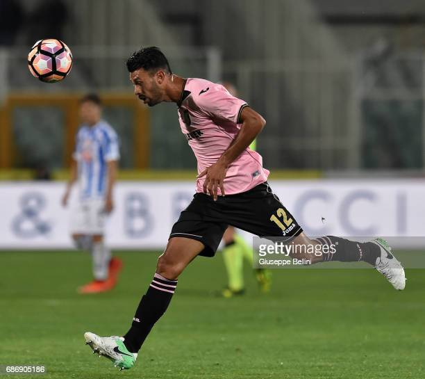 Giancarlo Gonzalez of US Citta di Palermo in action during the Serie A match between Pescara Calcio and US Citta di Palermo at Adriatico Stadium on...