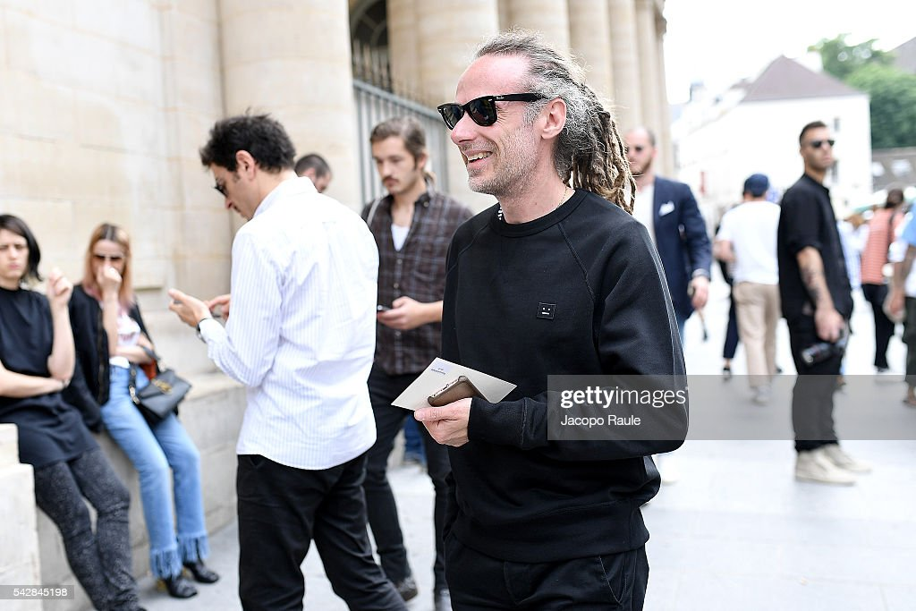Gianluca Cantaro is seen arriving at Maison Margiela Show during Paris Fashion Week - Menswear Spring/Summer 2017 on June 24, 2016 in Paris, France.