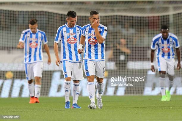 Gianluca Caprari of Pescara Calcio celebrates after scoring a goal during the Serie A match between ACF Fiorentina and Pescara Calcio at Stadio...
