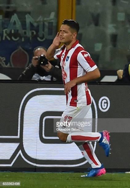 Gianluca Caprari of Pescara Calcio celebrates after scoring the opening goal during the Serie A match between Pescara Calcio and ACF Fiorentina at...