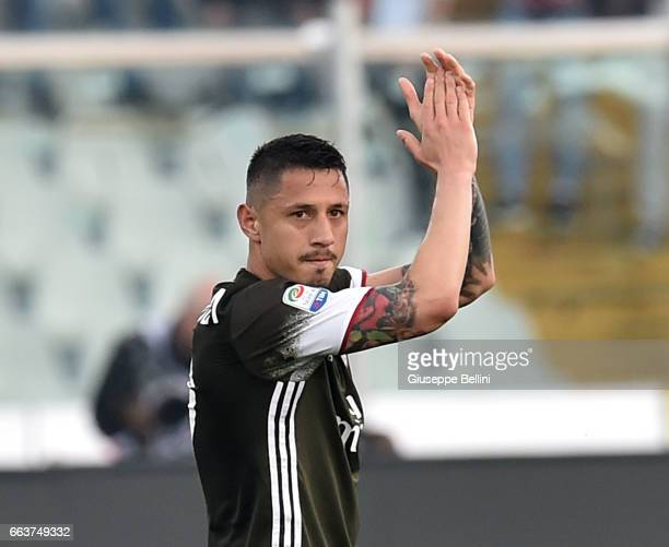 Gianluca Lapadula of AC Milan greets the fans of Pescara Calcio after the Serie A match between Pescara Calcio and AC Milan at Adriatico Stadium on...