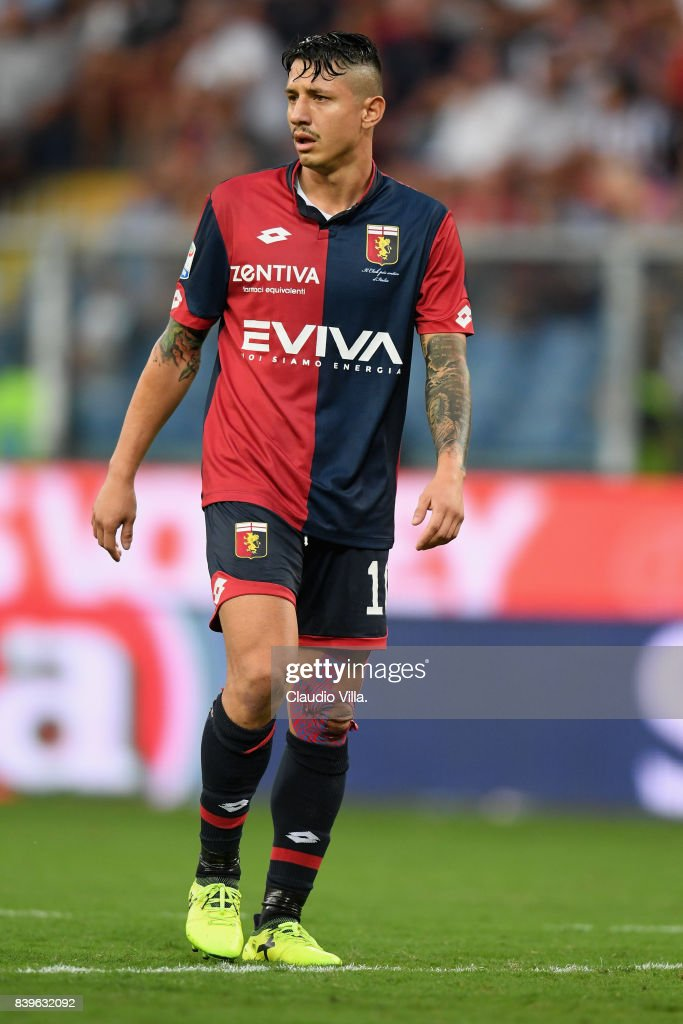 Gianluca Lapadula of Genoa CFC in action during the Serie A match between Genoa CFC and Juventus at Stadio Luigi Ferraris on August 26, 2017 in Genoa, Italy.
