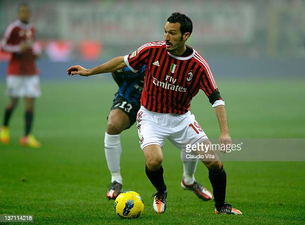 Gianluca Zambrotta of AC Milan competes during the Serie A match between AC Milan and FC Internazionale Milano at Stadio Giuseppe Meazza on January...