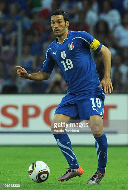 Gianluca Zambrotta of Italy in action during the international friendly match between Switzerland and Italy at Stade de Geneve ahead of the FIFA...