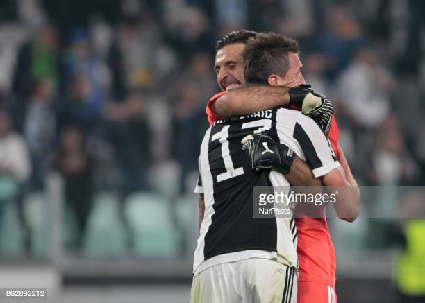 Gianluigi Buffon and Mario Mandzukic during Champions League match between Juventus and Sporting Clube de Portugal in Turin on October 17 2017