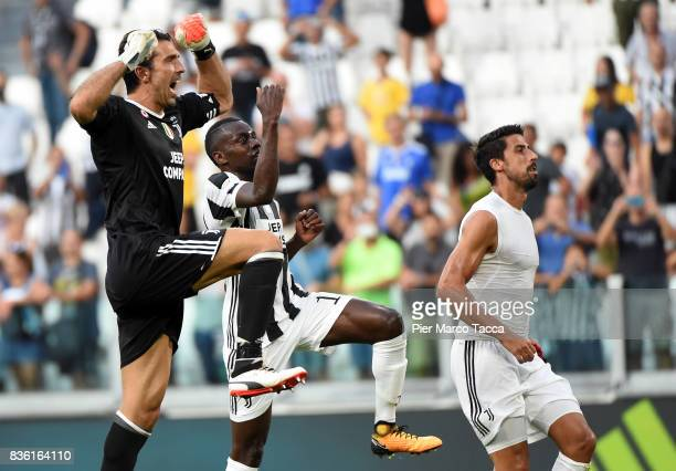 Gianluigi Buffon Blaise Matuidi and Sami Khedira of Juventus FC celebrate the victory during the Serie A match between Juventus and Cagliari Calcio...