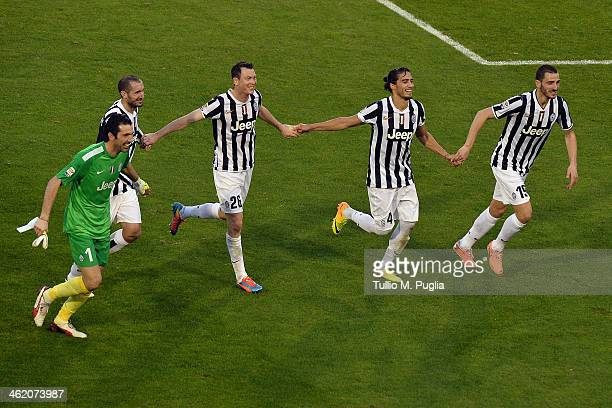 Gianluigi Buffon Giorgio Chiellini Stephan Lichtsteiner Martin Caceres and Leonardo Bonucci celebrate after winning the Serie A match between...
