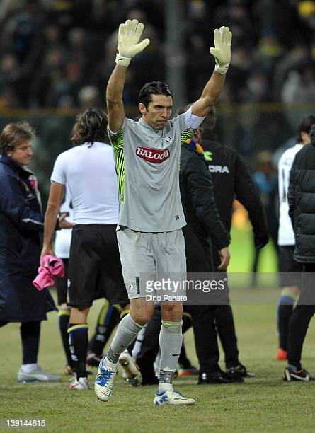 Gianluigi Buffon goalkepeer of Juventus greets fans after the Serie A match between Parma FC and Juventus FC at Stadio Ennio Tardini on February 15...