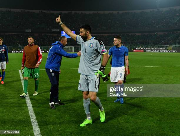 Gianluigi Buffon of Italy celebrates at the end of the FIFA 2018 World Cup Qualifier between Italy and Albania at Stadio Renzo Barbera on March 24...