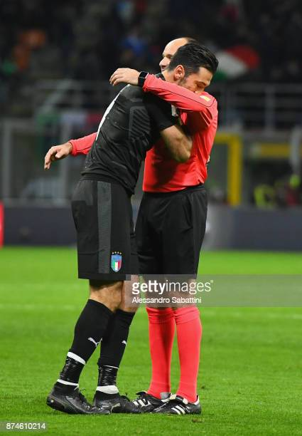 Gianluigi Buffon of Italy embraces referee Antonio Mateu Lahoz during the FIFA 2018 World Cup Qualifier PlayOff Second Leg between Italy and Sweden...