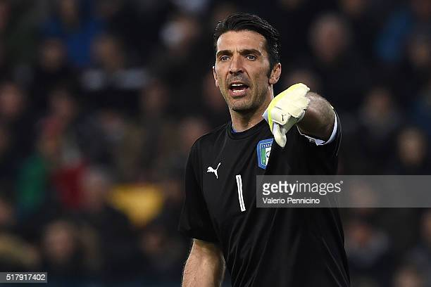 Gianluigi Buffon of Italy issues instructions during the international friendly match between Italy and Spain at Stadio Friuli on March 24 2016 in...