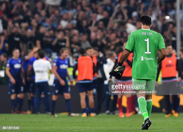 Gianluigi Buffon of Juventus at the end of the Serie A match between Juventus and SS Lazio on October 14 2017 in Turin Italy