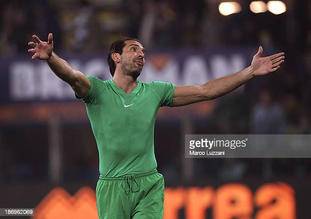Gianluigi Buffon of Juventus celebrates a victory at the end of the Serie A match between Parma FC and Juventus at Stadio Ennio Tardini on November 2...