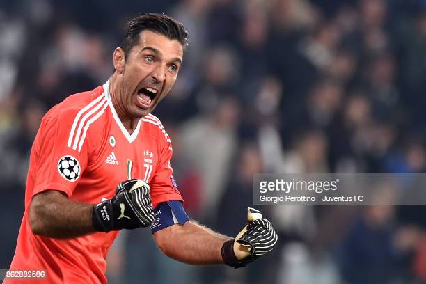 Gianluigi Buffon of Juventus celebrates for Mario Mandzukic goal during the UEFA Champions League group D match between Juventus and Sporting CP at...