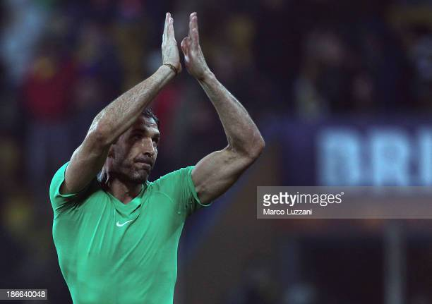 Gianluigi Buffon of Juventus celebrates victory at the end of the Serie A match between Parma FC and Juventus at Stadio Ennio Tardini on November 2...