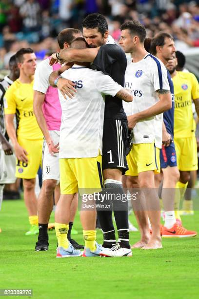 Gianluigi Buffon of Juventus embraces Italian compatriot Marco Verratti of PSG after the International Champions Cup match between Paris Saint...