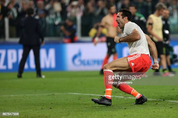 Gianluigi Buffon of Juventus FC celebrate at the end of the UEFA Champions League group D match between Juventus FC and Sporting Clube de Portugal...