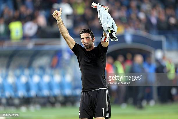 Gianluigi Buffon of Juventus FC celebrates the victory after during the Serie A match between Empoli FC and Juventus FC at Stadio Carlo Castellani on...