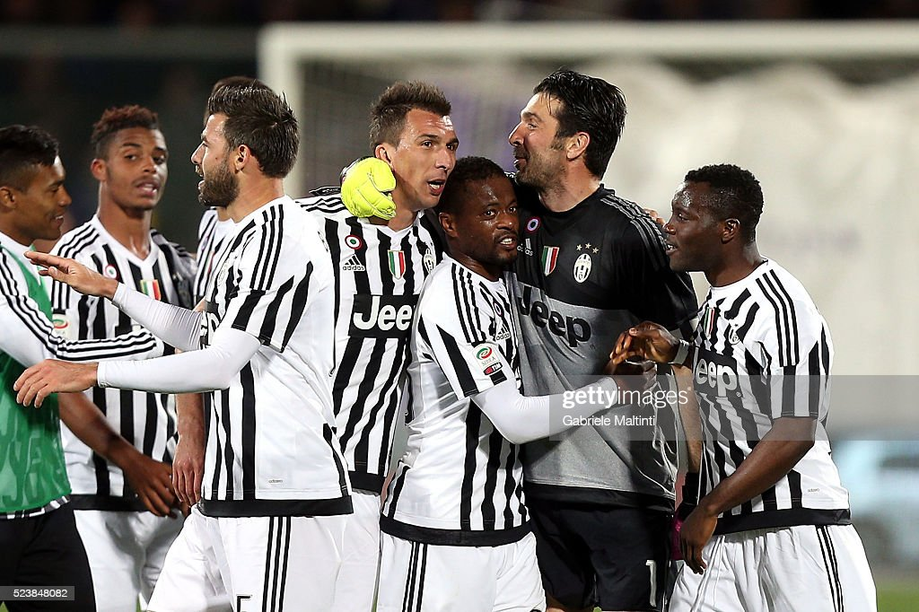 Gianluigi Buffon of Juventus FC celebrates the victory after the Serie A match between ACF Fiorentina and Juventus FC at Stadio Artemio Franchi on April 24, 2016 in Florence, Italy.