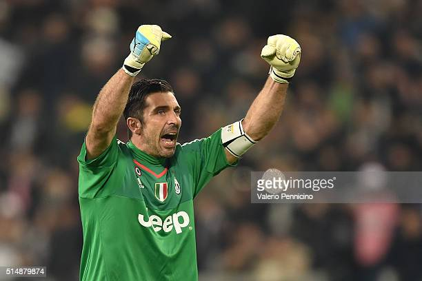 Gianluigi Buffon of Juventus FC celebrates victory and his record of minutes without conceding goals at the end of the Serie A match between Juventus...