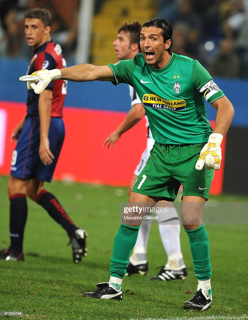 <a gi-track='captionPersonalityLinkClicked' href=/galleries/search?phrase=Gianluigi+Buffon&family=editorial&specificpeople=208860 ng-click='$event.stopPropagation()'>Gianluigi Buffon</a> of Juventus FC reacts during the Serie A match between Genoa CFC and SSC Juventus FC at Stadio Luigi Ferraris on September 24, 2009 in Genoa, Italy.