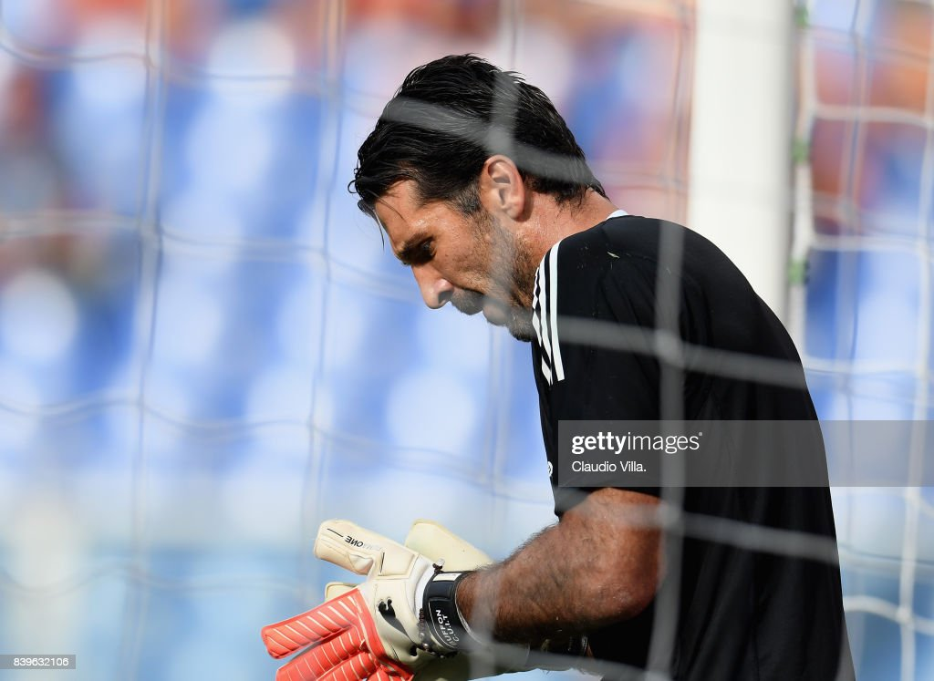 Gianluigi Buffon of Juventus FC warms up prior to the Serie A match between Genoa CFC and Juventus at Stadio Luigi Ferraris on August 26, 2017 in Genoa, Italy.
