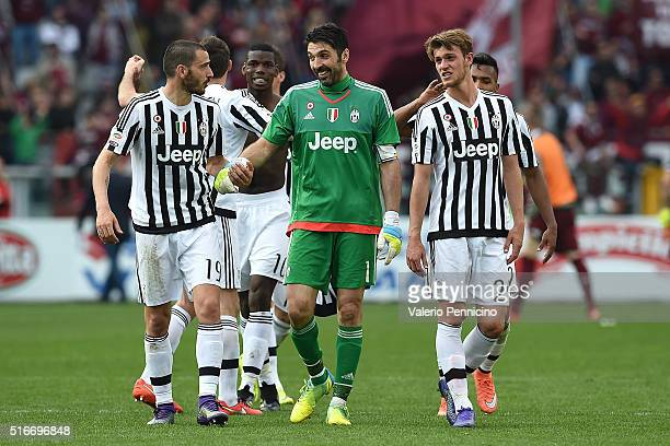 Gianluigi Buffon of Juventus FC with team mates celebrates victory and his record of minutes without conceding goals at the end of the Serie A match...