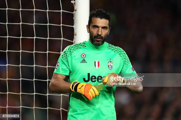 Gianluigi Buffon of Juventus has a drink during the UEFA Champions League Quarter Final second leg match between FC Barcelona and Juventus at Camp...