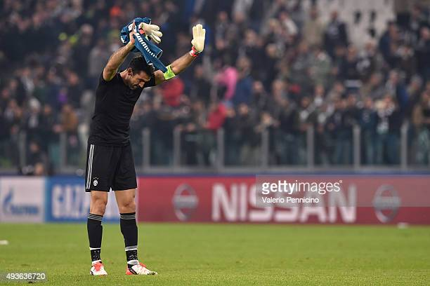 Gianluigi Buffon of Juventus salutes the fans at the end of the UEFA Champions League group stage match between Juventus and VfL Borussia...