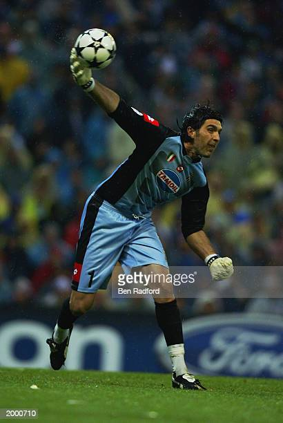Gianluigi Buffon of Juventus throws the ball out during the Champion's League Semi Final between Real Madrid and Juventus on May 6 2003 at the...