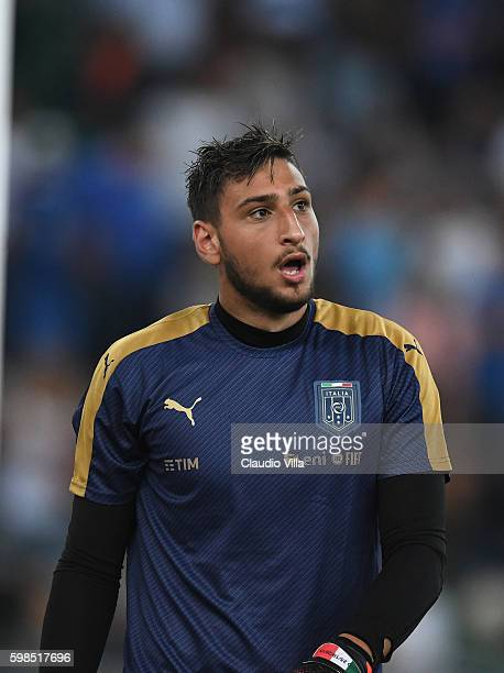 Gianluigi Donnarumma in action during the international friendly match between Italy and France at Stadio San Nicola on September 1 2016 in Bari Italy