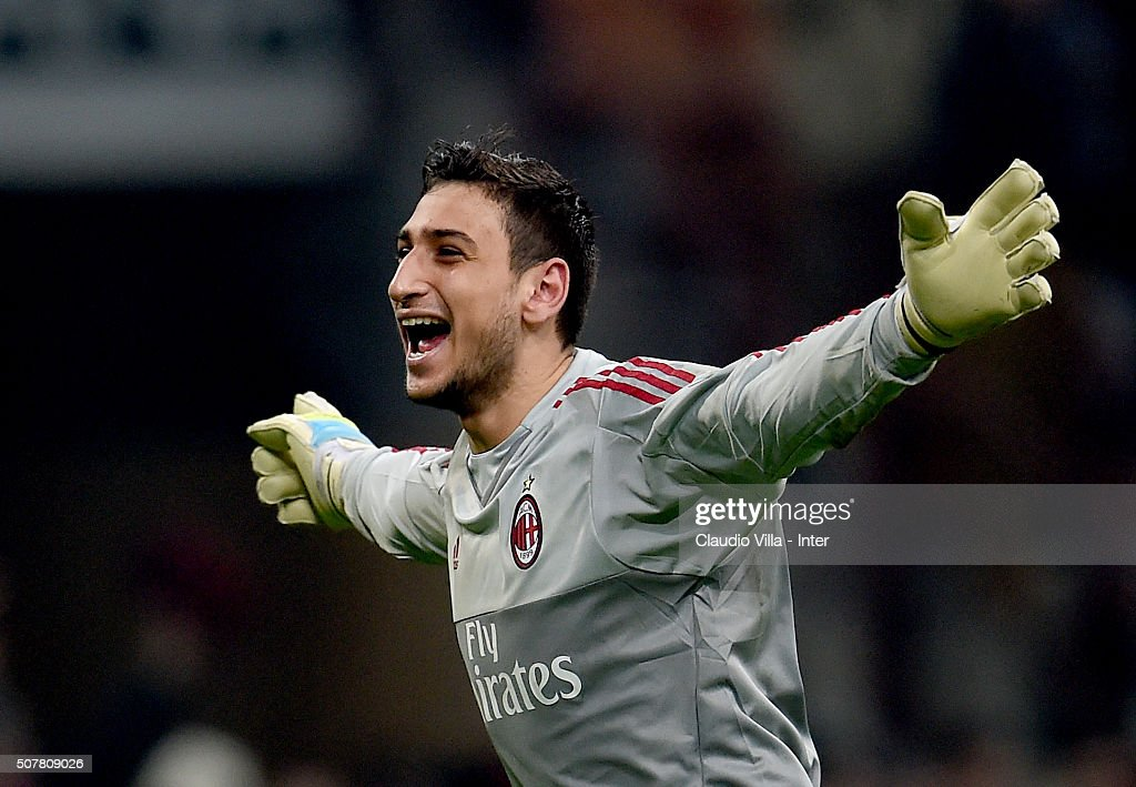 Gianluigi Donnarumma of AC Milan celebrates at the end of the Serie A match between AC Milan and FC Internazionale Milano at Stadio Giuseppe Meazza on January 31, 2016 in Milan, Italy.