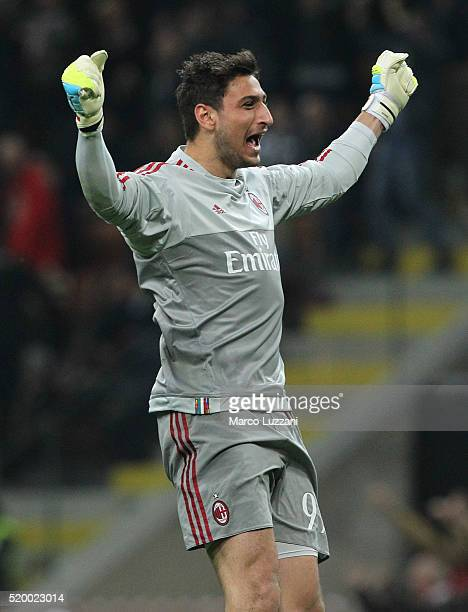 Gianluigi Donnarumma of AC Milan celebrates his teammates goal during the Serie A match between AC Milan and Juventus FC at Stadio Giuseppe Meazza on...
