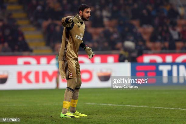 Gianluigi Donnarumma of AC Milan during the Serie A match between AC Milan and ACF Fiorentina AC Milan wins 21 over ACF Fiorentina
