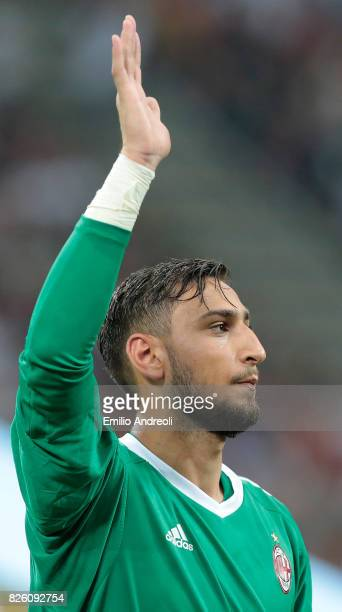 Gianluigi Donnarumma of AC Milan greets the fans prior to the UEFA Europa League Third Qualifying Round Second Leg match between AC Milan and CSU...