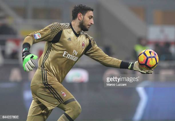 Gianluigi Donnarumma of AC Milan in action during the Serie A match between AC Milan and ACF Fiorentina at Stadio Giuseppe Meazza on February 19 2017...