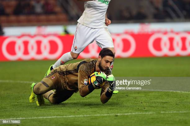 Gianluigi Donnarumma of AC Milan in action during the Serie A match between AC Milan and ACF Fiorentina AC Milan wins 21 over ACF Fiorentina
