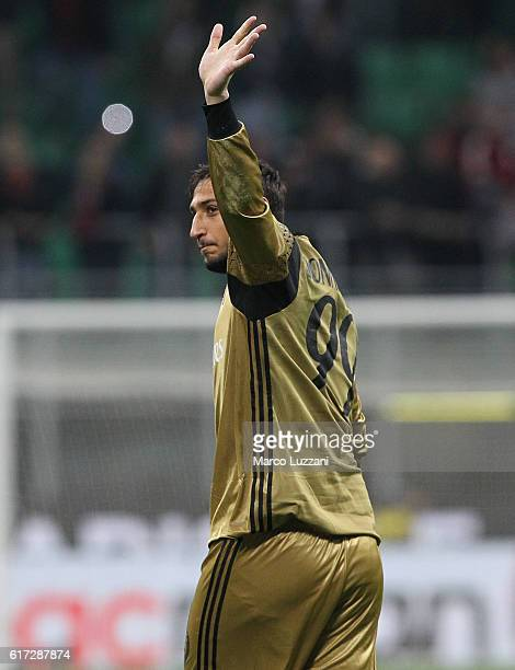 Gianluigi Donnarumma of AC Milan salutes the crowd at the end of the Serie A match between AC Milan and Juventus FC at Stadio Giuseppe Meazza on...