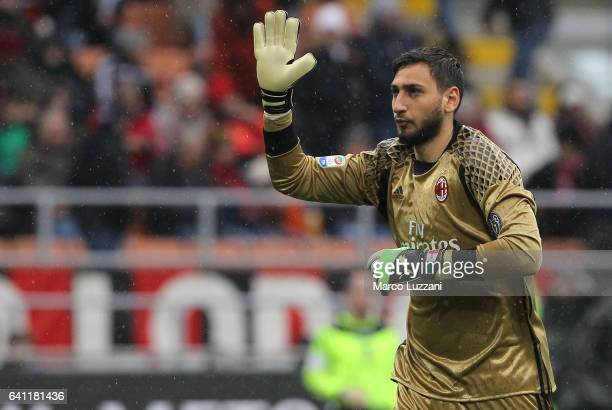 Gianluigi Donnarumma of AC Milan salutes the fans during the Serie A match between AC Milan and UC Sampdoria at Stadio Giuseppe Meazza on February 5...