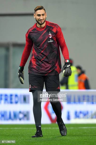 Gianluigi Donnarumma of AC Milan warms up before'n the Serie A match between US Sassuolo and AC Milan at Mapei Stadium Citta' del Tricolore on...