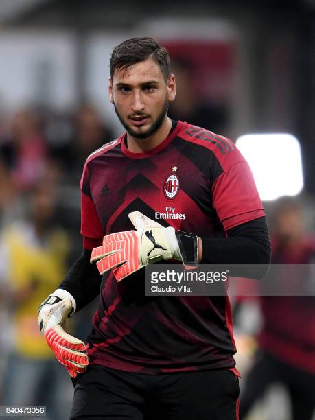 Gianluigi Donnarumma of AC Milan warms up prior to the Serie A match between AC Milan and Cagliari Calcio at Stadio Giuseppe Meazza on August 27 2017...