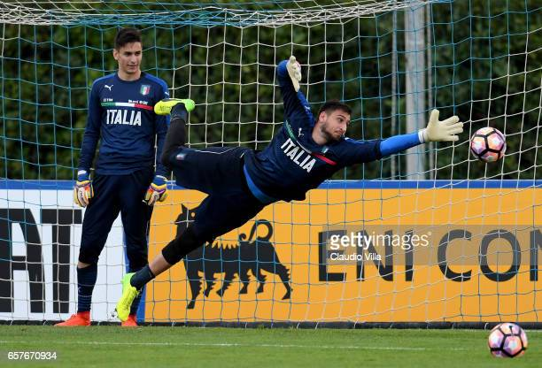 Gianluigi Donnarumma of Italy in action during the training session at the club's training ground at Coverciano on March 25 2017 in Florence Italy