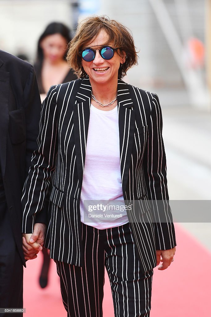 <a gi-track='captionPersonalityLinkClicked' href=/galleries/search?phrase=Gianna+Nannini&family=editorial&specificpeople=635060 ng-click='$event.stopPropagation()'>Gianna Nannini</a> walks the red carpet of Bocelli and Zanetti Night on May 25, 2016 in Rho, Italy.