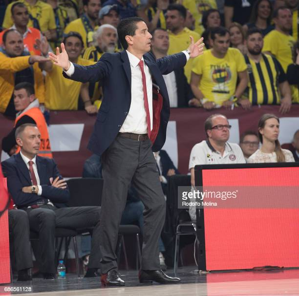 Giannis Sfairopoulos Head Caoch of Olympiacos Piraeusin action during the Championship Game 2017 Turkish Airlines EuroLeague Final Four between...