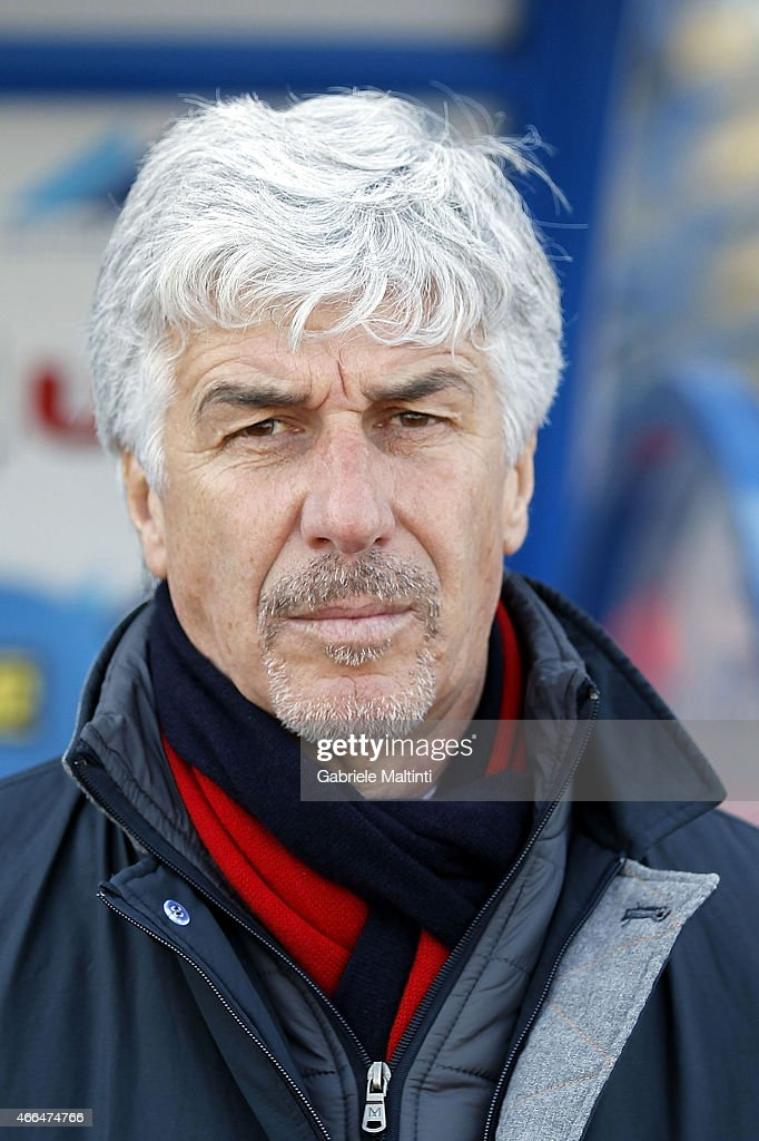 GianPiero Gasperini manager of Genoa CFC looks on during the Serie A match between Empoli FC and Genoa CFC at Stadio Carlo Castellani on March 8, 2015 in Empoli, Italy.
