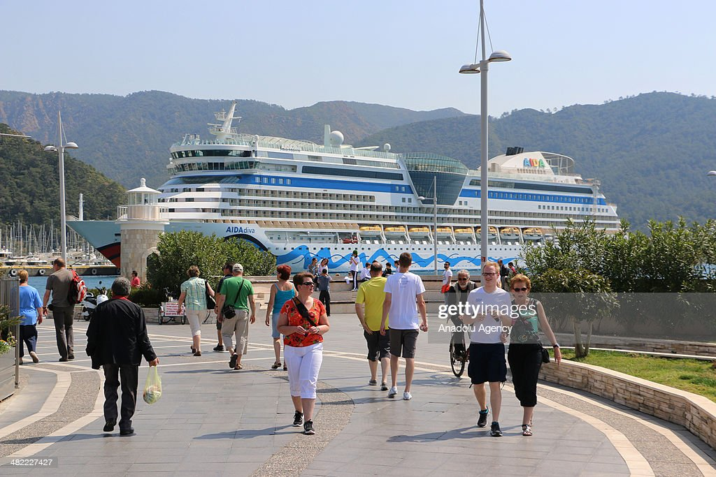 Giant cruise 'Aida Diva' refer to 'diva of seas' makes it's first voyage to Marmaris in Mugla Turkey on April 3 2014 There are 2 thousands of German...