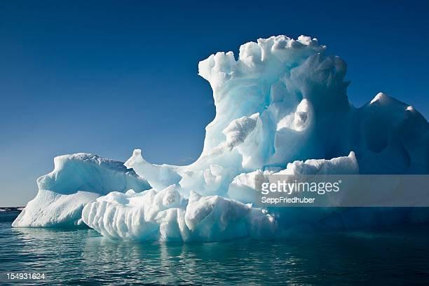 Schneewittchen mit Reflexion ziehen in die arctic Ocean Islands