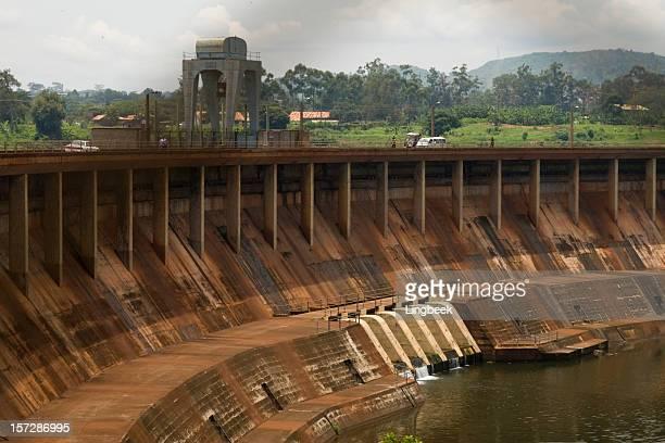 Giant Owen Falls-Damm in den Nil