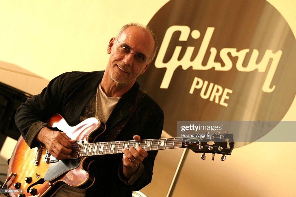 40th Annual Montreux Jazz Festival - Gibson Custom Sponsors the Larry Carlton